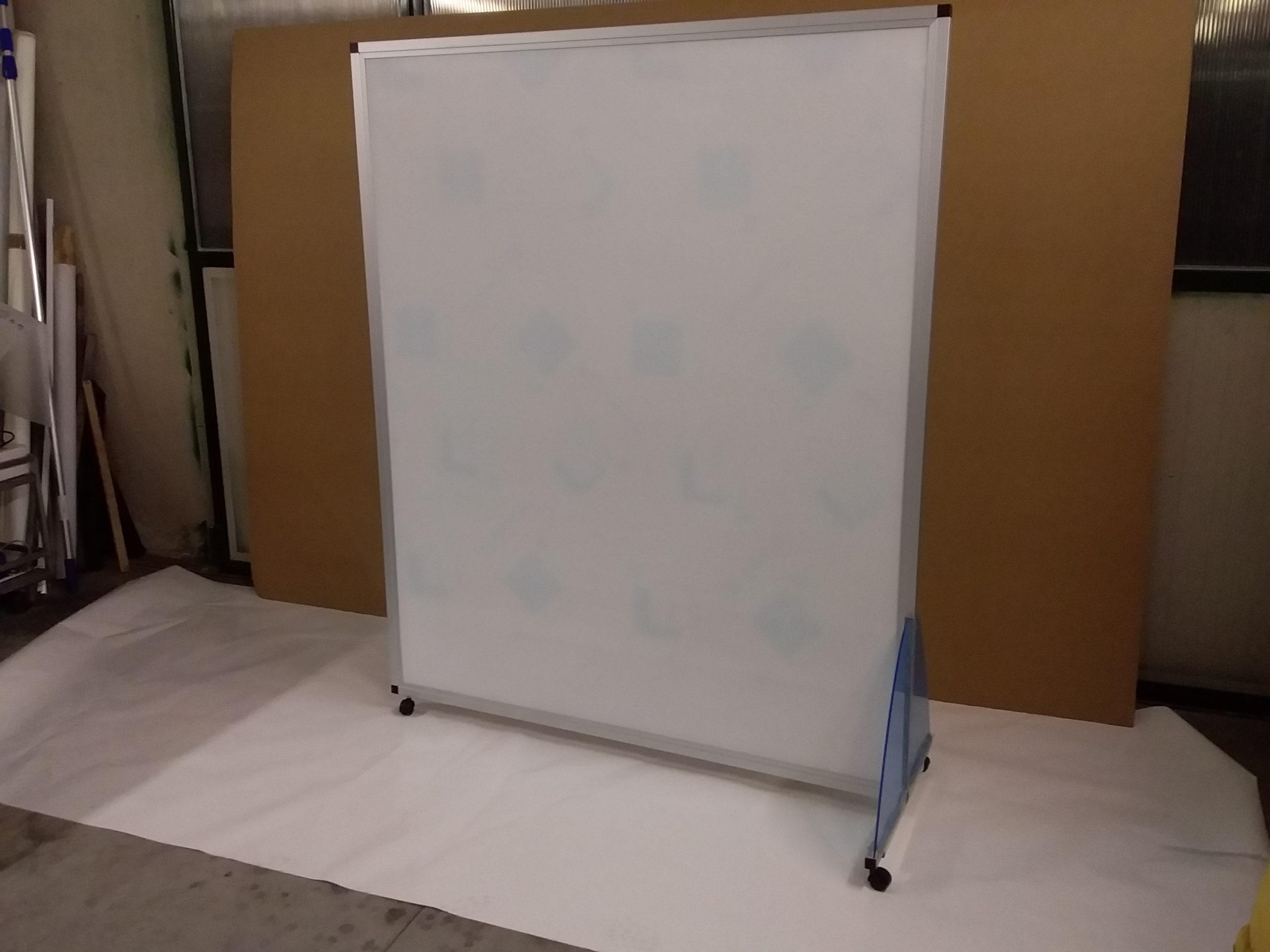 parete in plexiglass Scuola di cossato